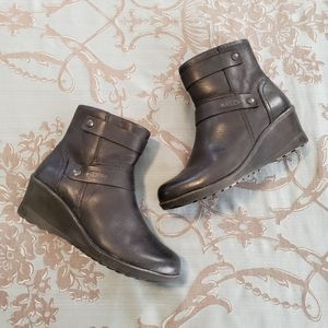 Keen Kate Leather Wedge Mid Black Boots